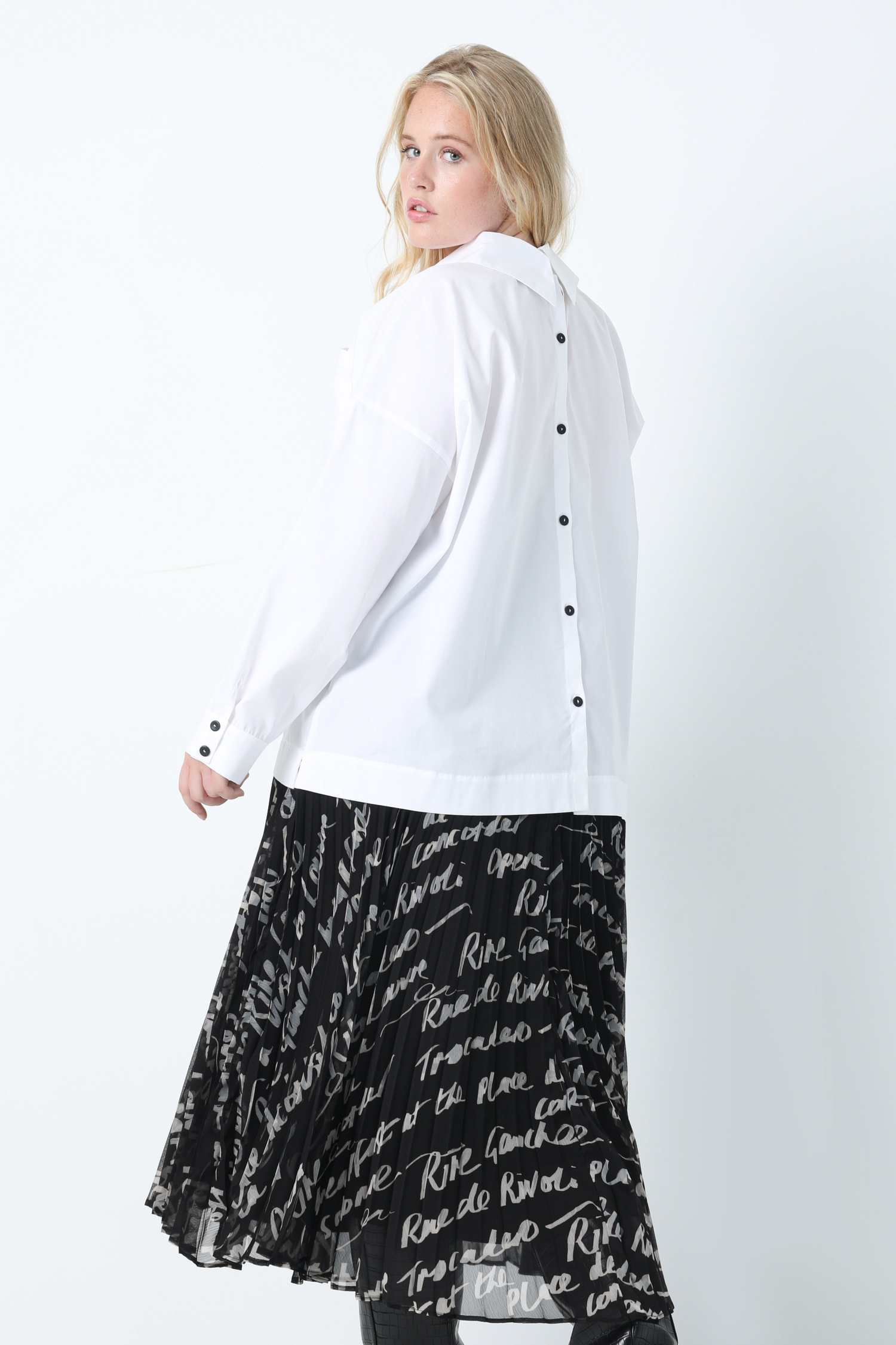 Plain poplin shirt (shipping September 25/30)