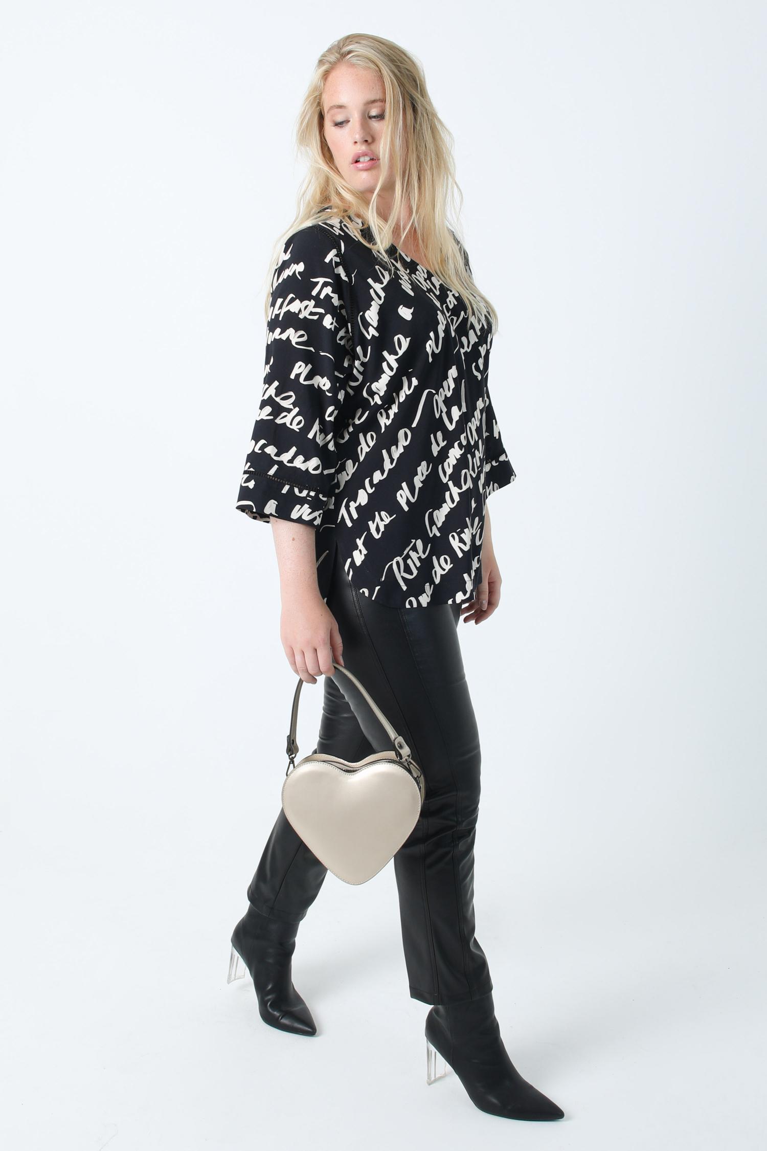Graphic print blouse in oeko-tex fabric