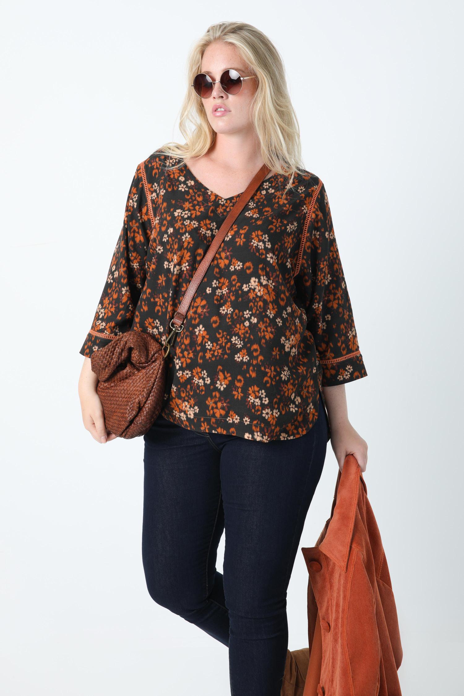 Printed blouse with oeko-tex fabric braid