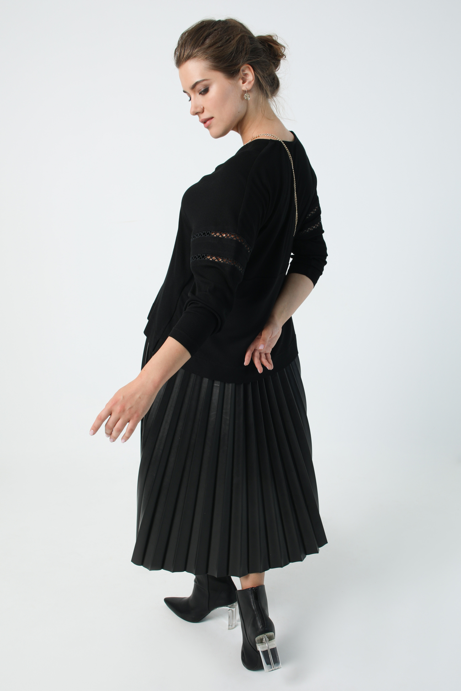 Fine ribbed knit sweater