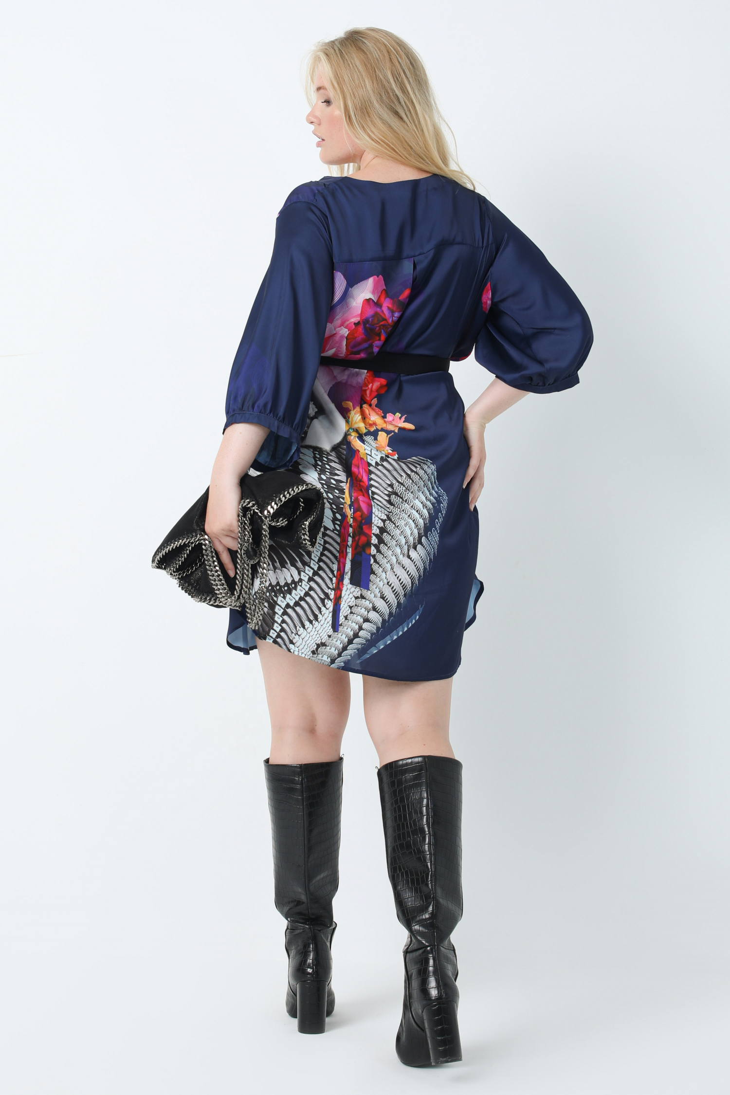 Long satin shirt with design placed in oeko-tex fabric