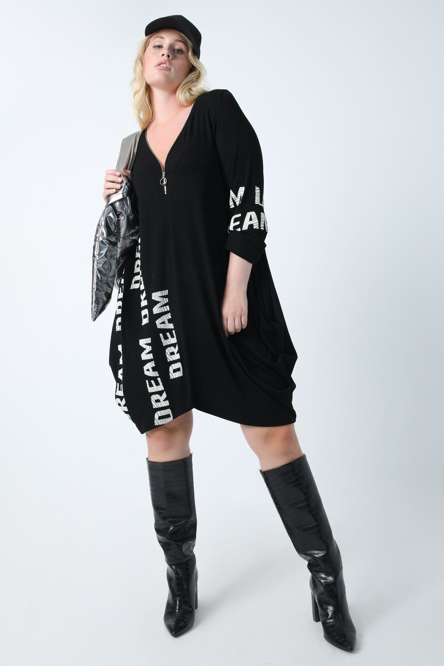Ribbed knit dress with screen printing
