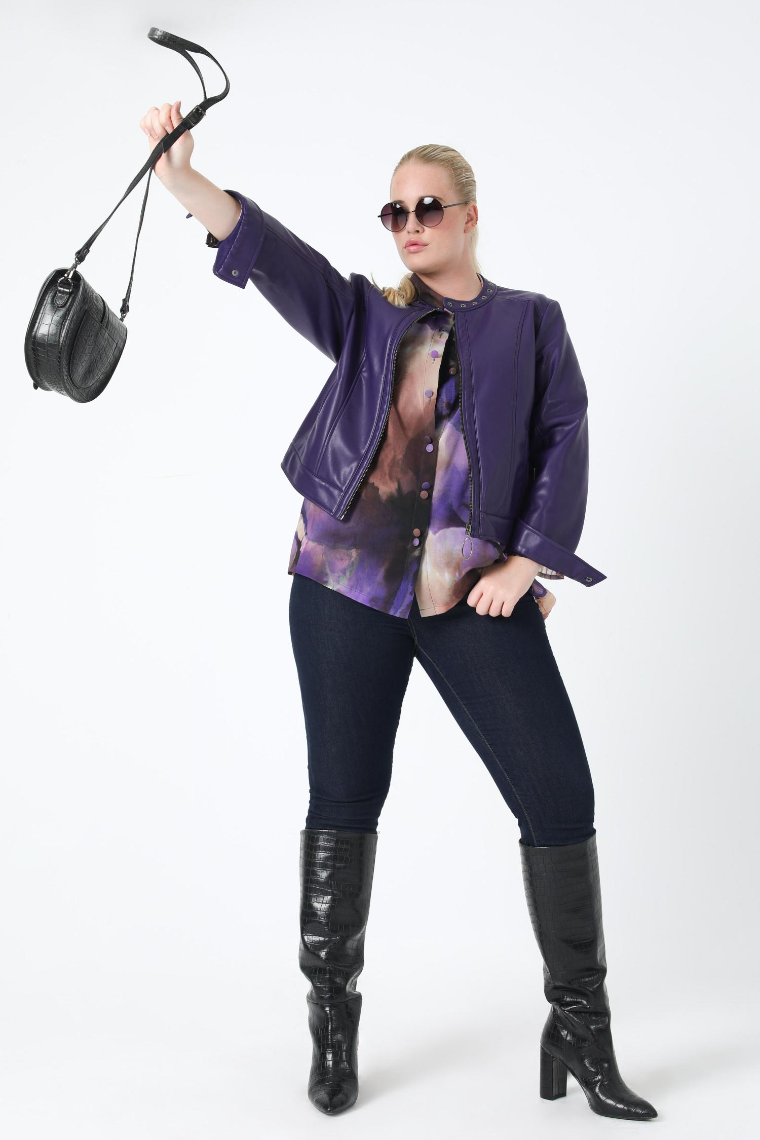 Zipped vegan leather jacket (Shipping October 5/10)