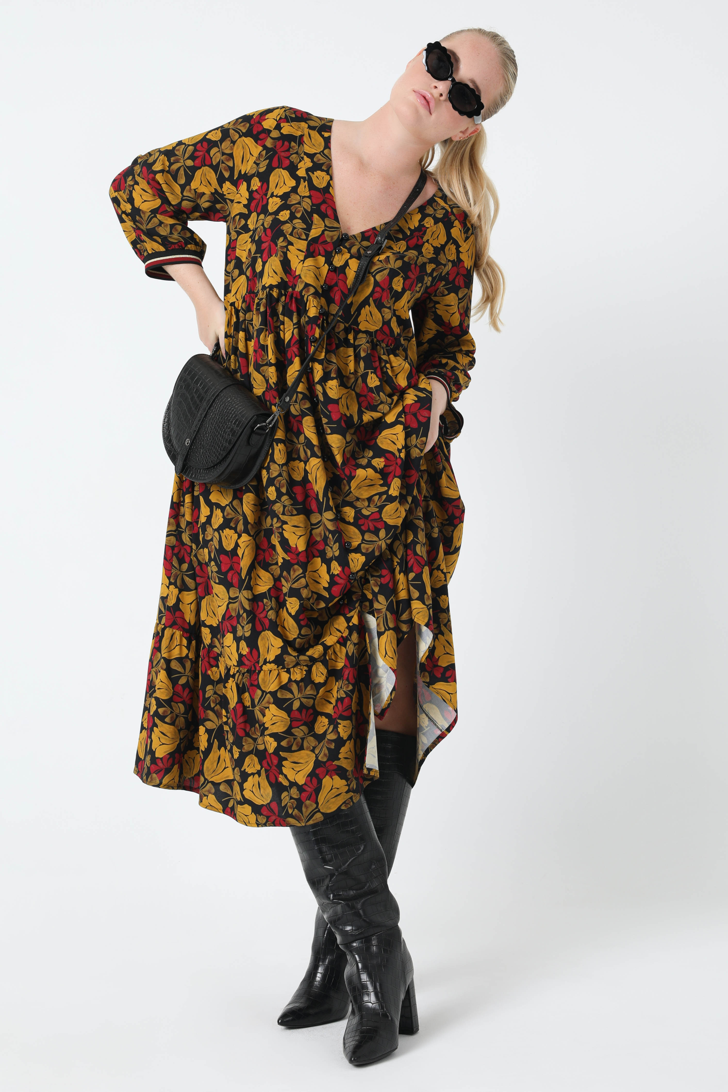 Long printed dress with striped rib edge (Shipping October 5/10)