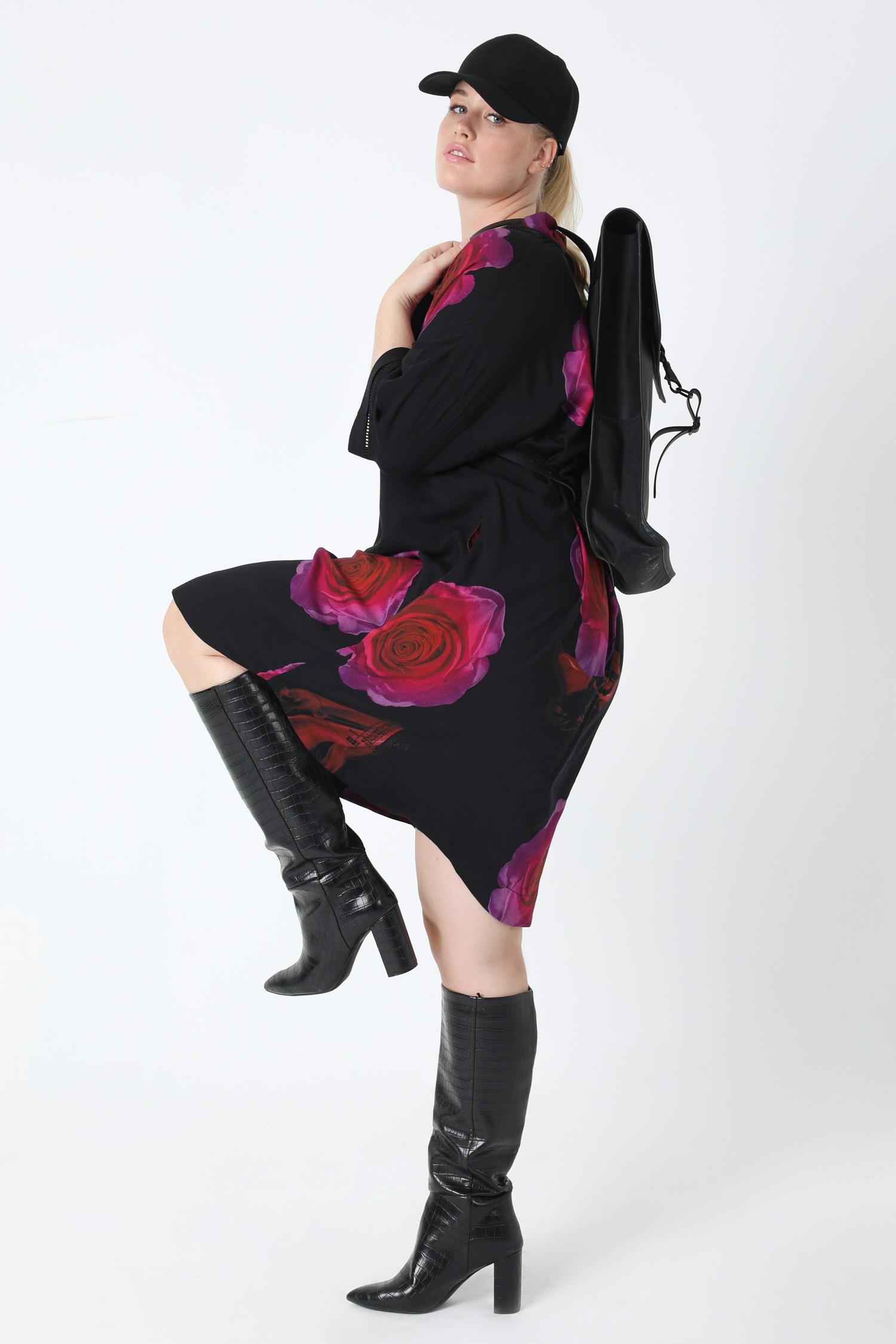 Mid-length dress with oeko-tex fabric print