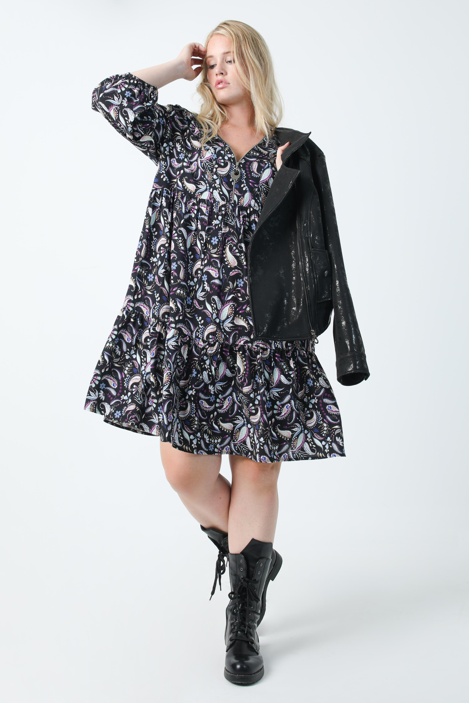 Mid-length printed dress with zipped neckline in oeko-tex fabric (shipping September 5/10)
