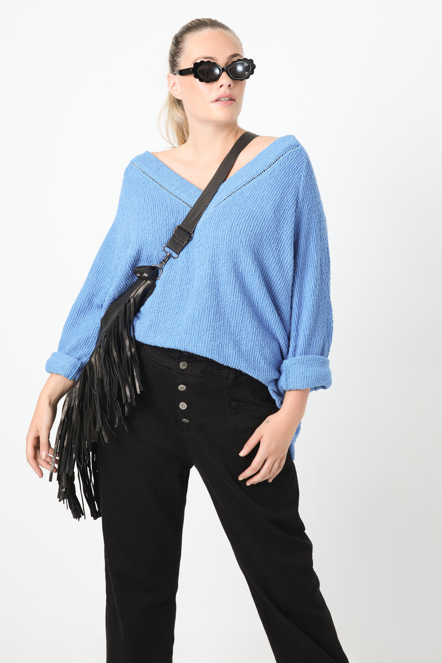 Chenille knit sweater with macramé
