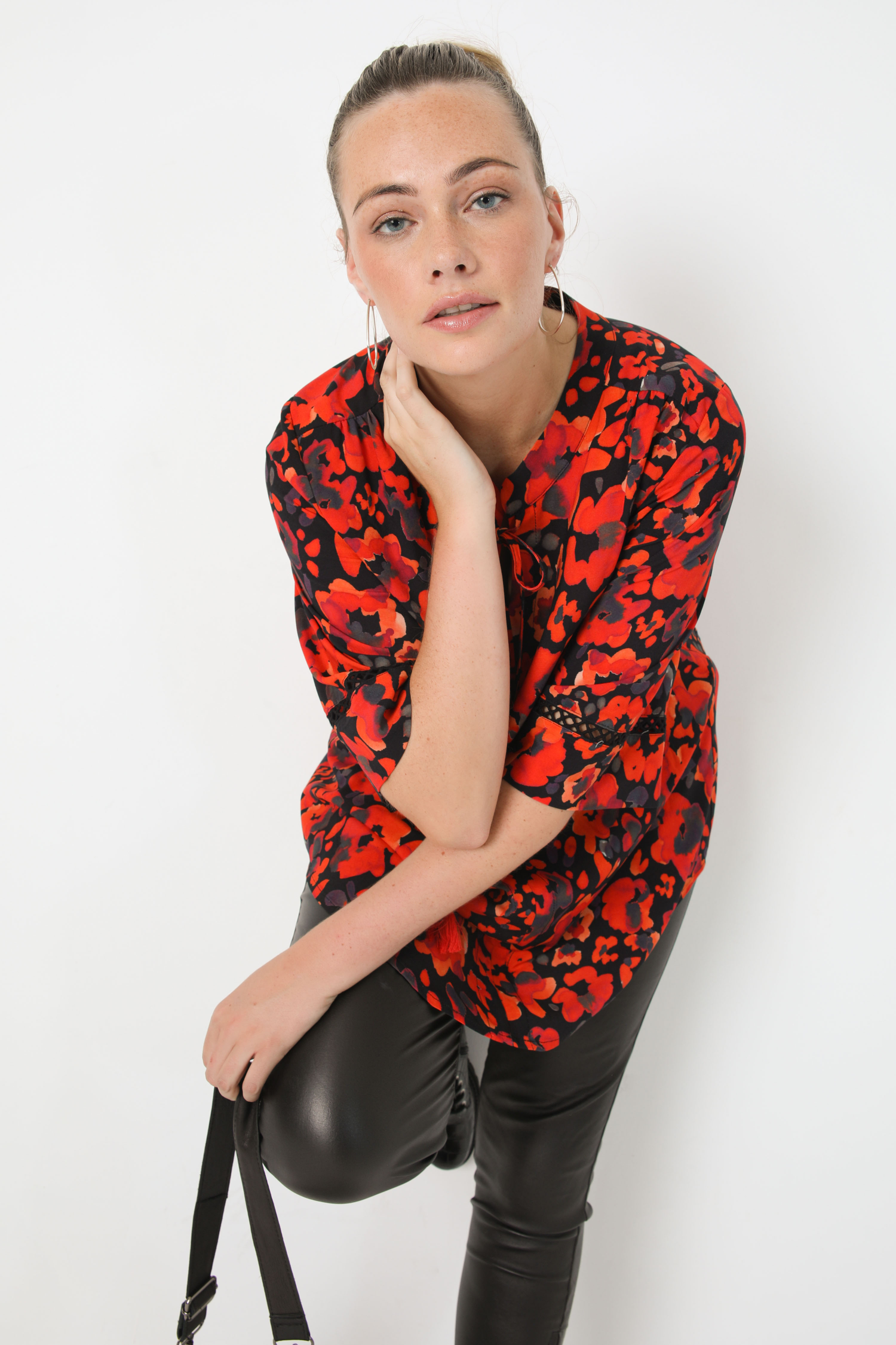 Printed blouse with mandarin collar in oeko-tex fabric