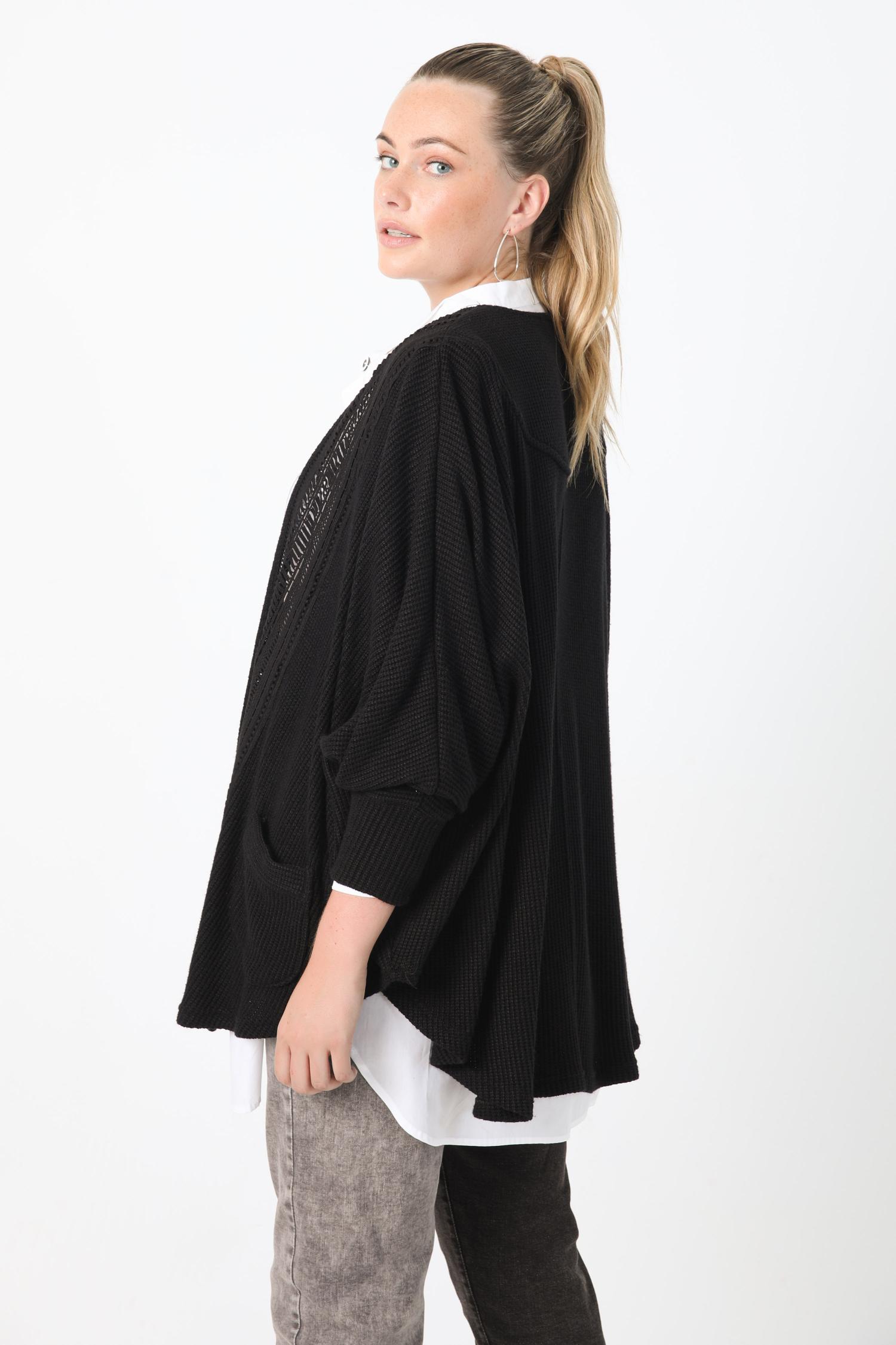 Batwing waistcoat in rib with braid
