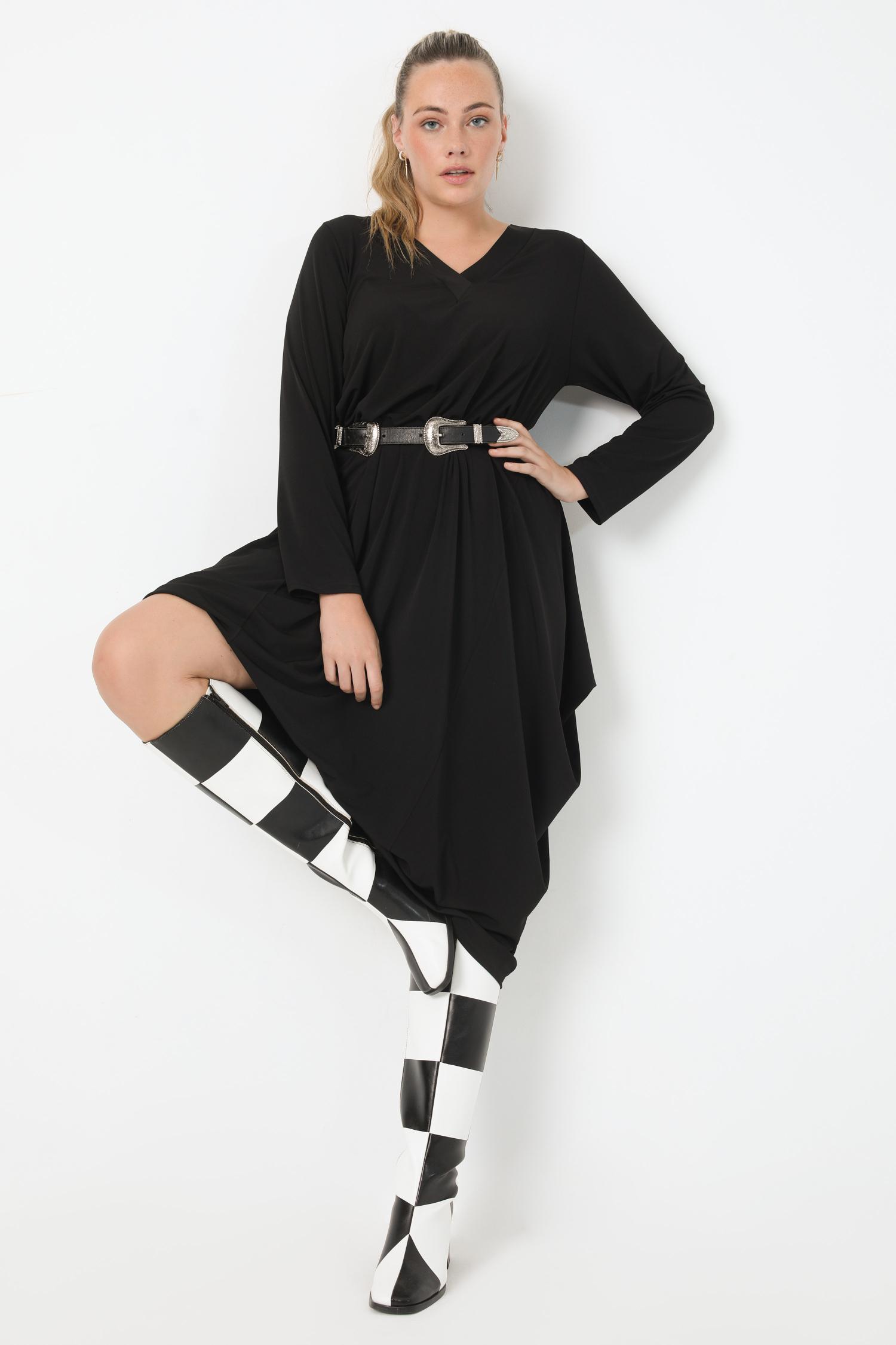 Mid-length knit dress (shipping October 5/10)