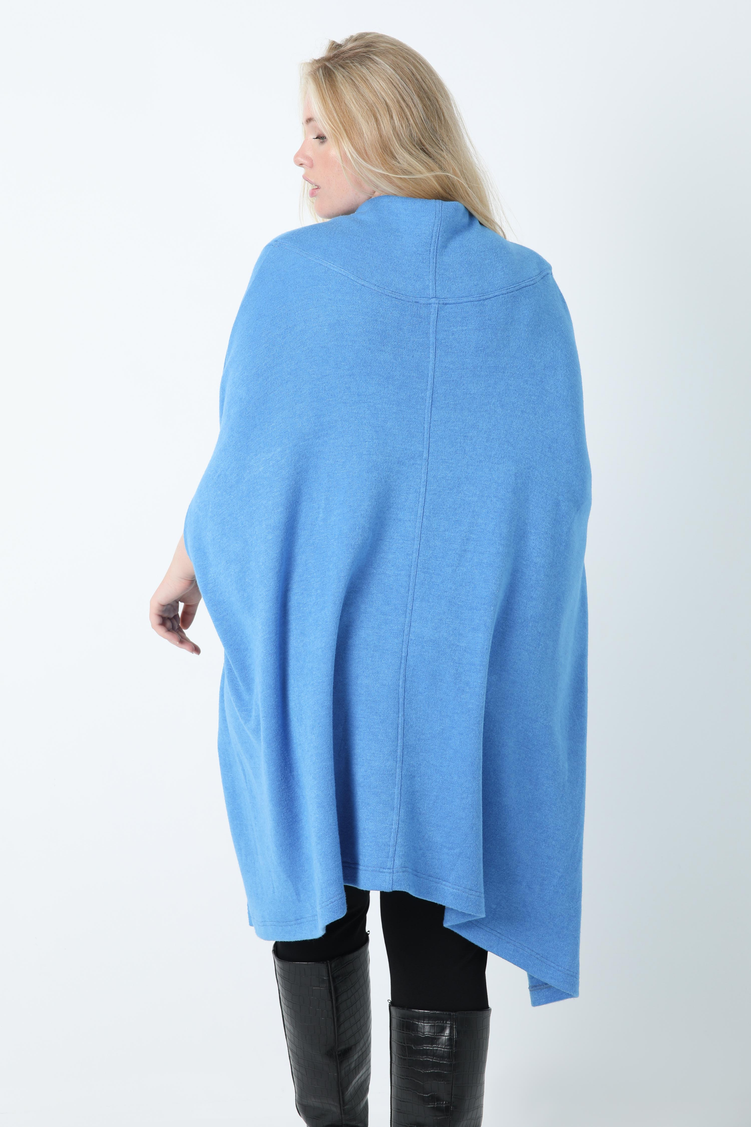 Pancho with wide plain knit collar