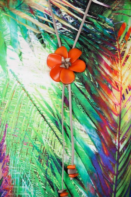 Collier fleur vegetale-Orange