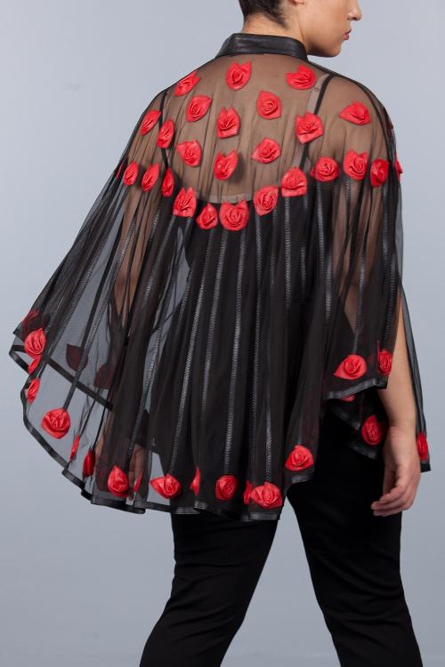 Cape en cuir et résille - Fleurs rouge